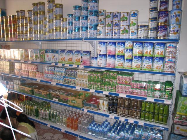 Những lưu ý khi chọn kệ siêu thị bán sữa